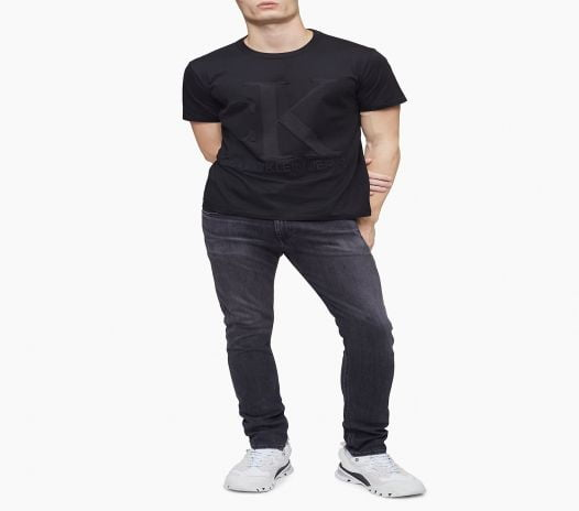 Áo Thun Nam Calvin Klein Regular Fit Embossed Monogram Logo Crewneck T-Shirt Black