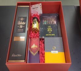 Set Quà Tết Ballantine's 30 Kèm Cigar Sampler Số 6