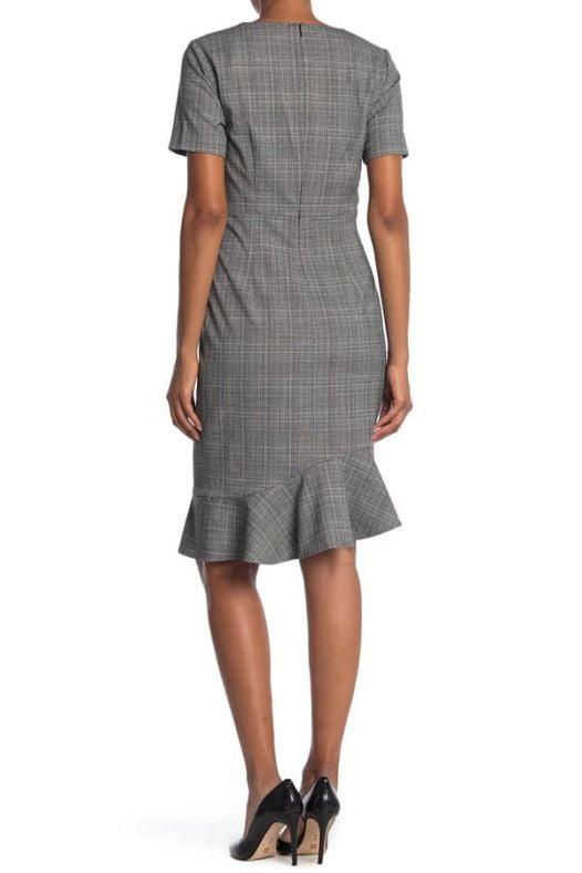 Đầm Nữ T Tahari Plaid Short Sleeve Ruffle Hem Sheath Dress Black Ivory