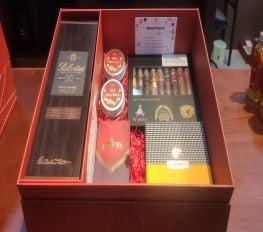 Set Quà Tết Ballantine's 30 Kèm Cigar Sampler Số 1