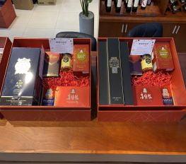 Set Quà Tết Chivas Regal 25 Kèm Saffron & Sâm Hàn Quốc