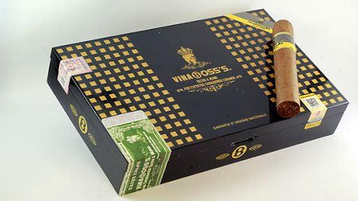 Cigar Vinaboss 60 (Hộp sơn mài 10 điếu)